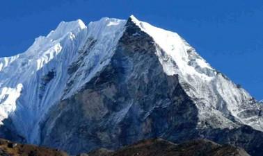 Baruntse Peak